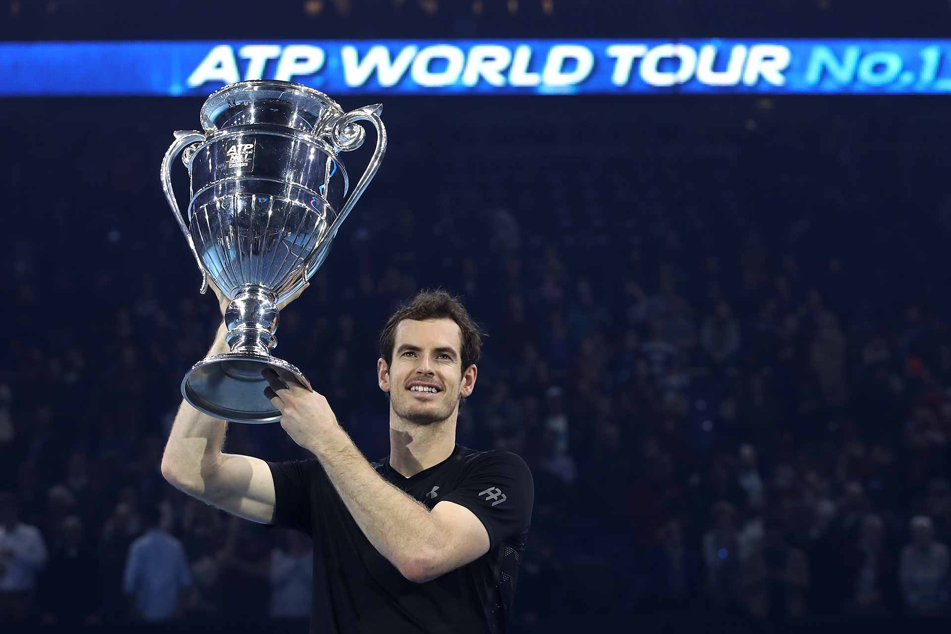 Murray-Finale-2016-No1Trophy-G