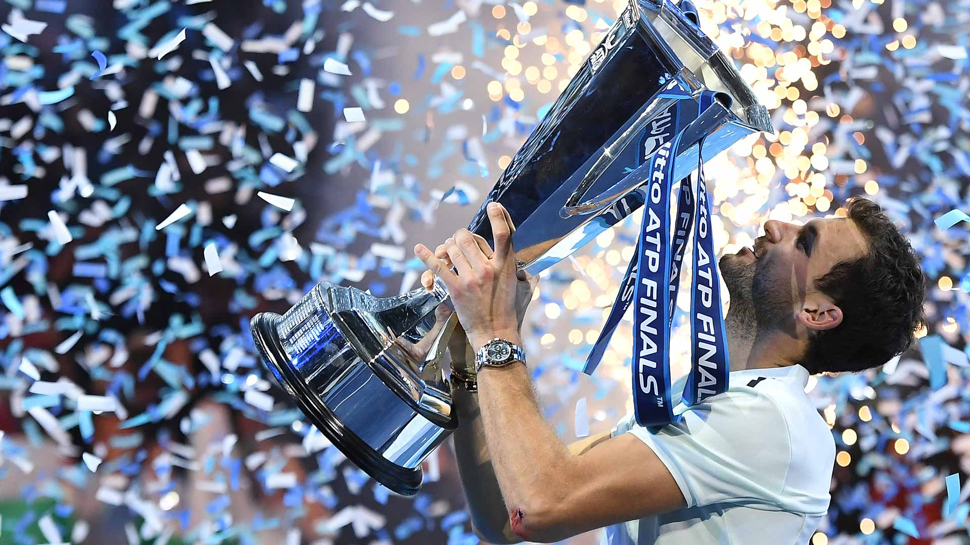 001 dimitrov-nitto-atp-finals-trophy-lift-4