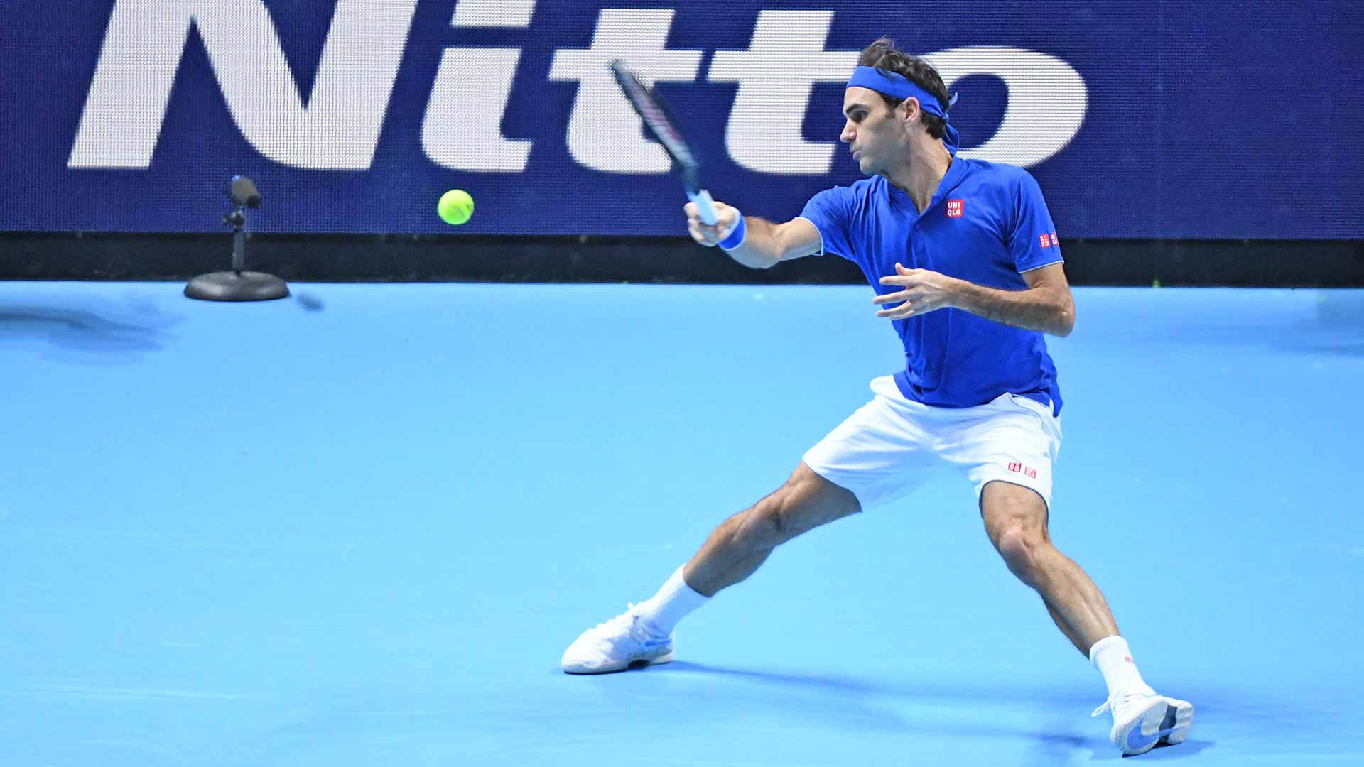 Federer-Nitto-ATP-Finals-2018-Saturday-Forehand