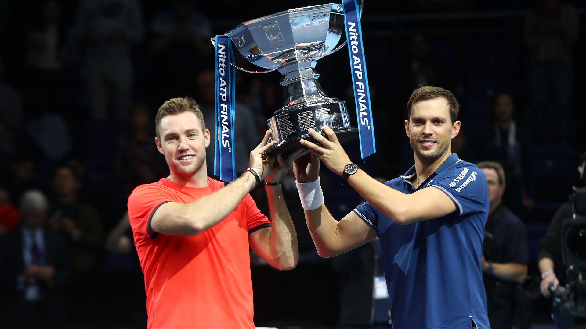 01-Sock-Bryan-Nitto-ATP-Finals-2018-Doubles-Trophy