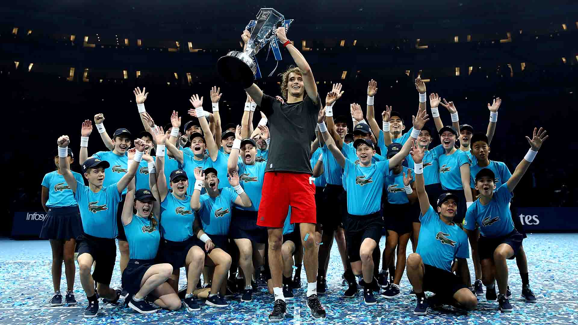 01 Zverev Nitto ATP Finals 2018 Sunday Trophy Ballkids