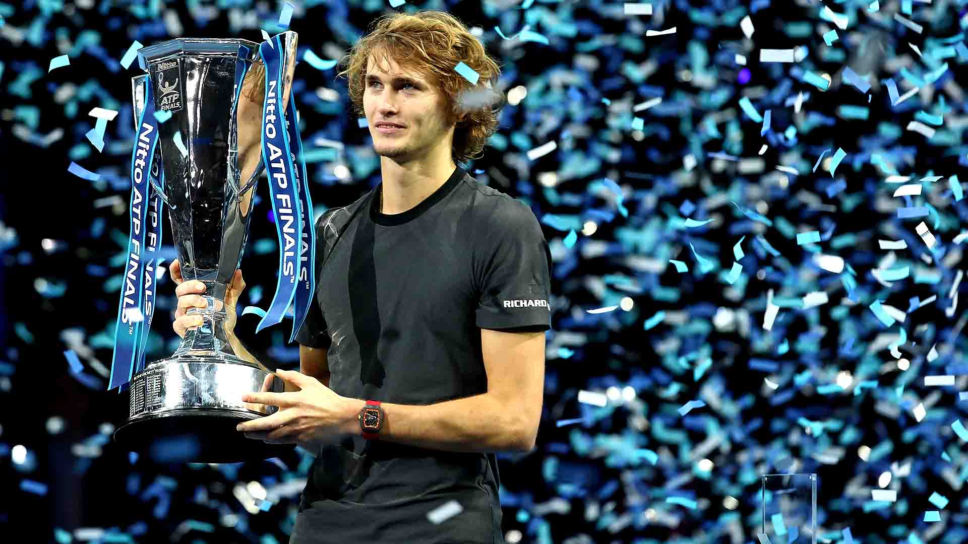 01 Zverev Nitto ATP Finals 2018 Sunday Trophy